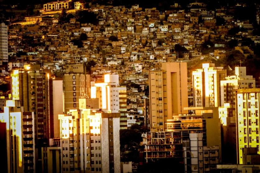 Contraste • BH, MG - Agosto 2009 • ® Ruy Pereira
