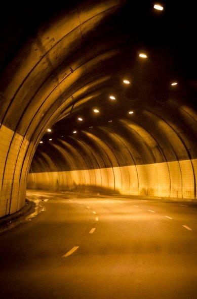 Tunel • Av. Cristiano Machado, BH - Setembro 2011 ® Ruy Pereira
